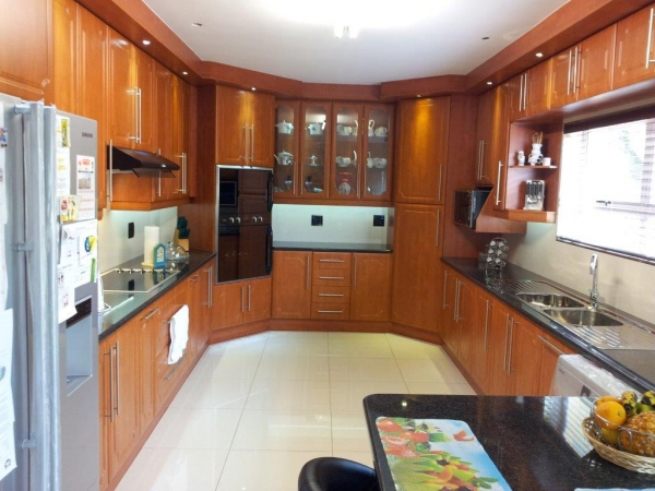 Advanced built in cupboards kitchens home improvement for Cupboards south africa
