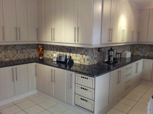 Advanced built in cupboards kitchens home improvement for Small built in kitchen