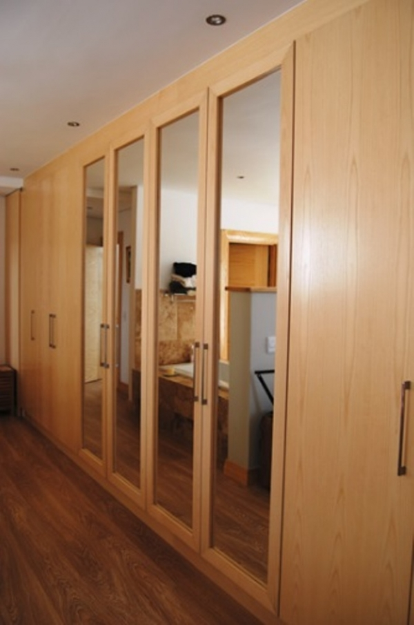 New line kitchens built in wardrobes cupboards kitchens for Modern built in cupboards
