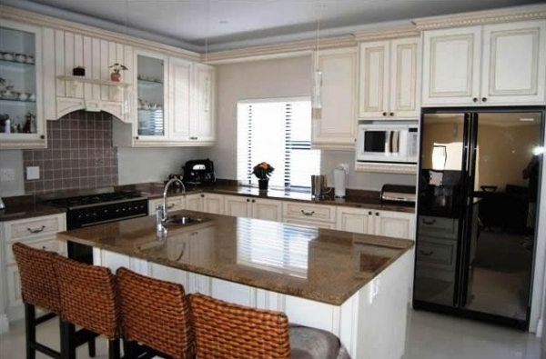 New line kitchens built in wardrobes cupboards kitchens for Affordable kitchens gauteng
