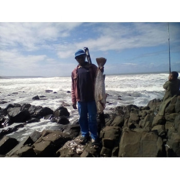 Fishing At Mbotyi Transkei Guides And Charters Fishing Outdoors